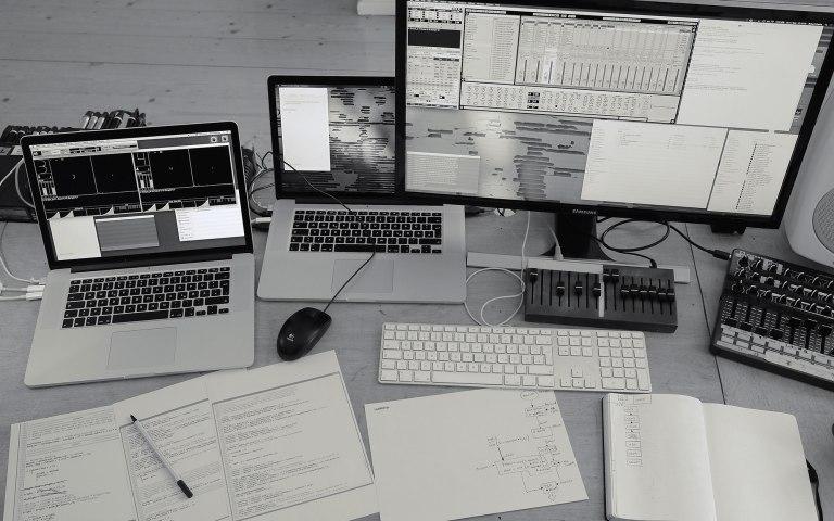 programmingdesk-dscf3967